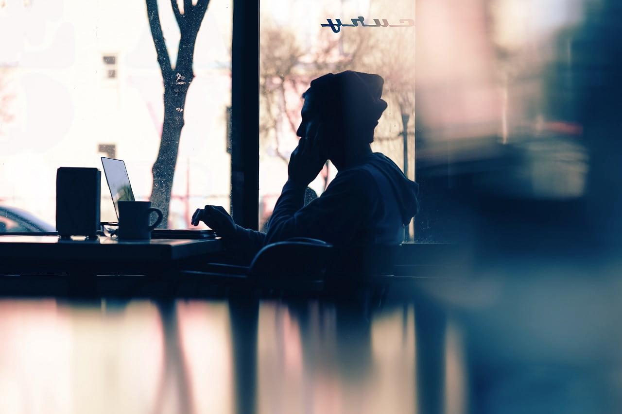 サラリーマンが辛い|仕事と人生がダルすぎたら速攻やめるべき。