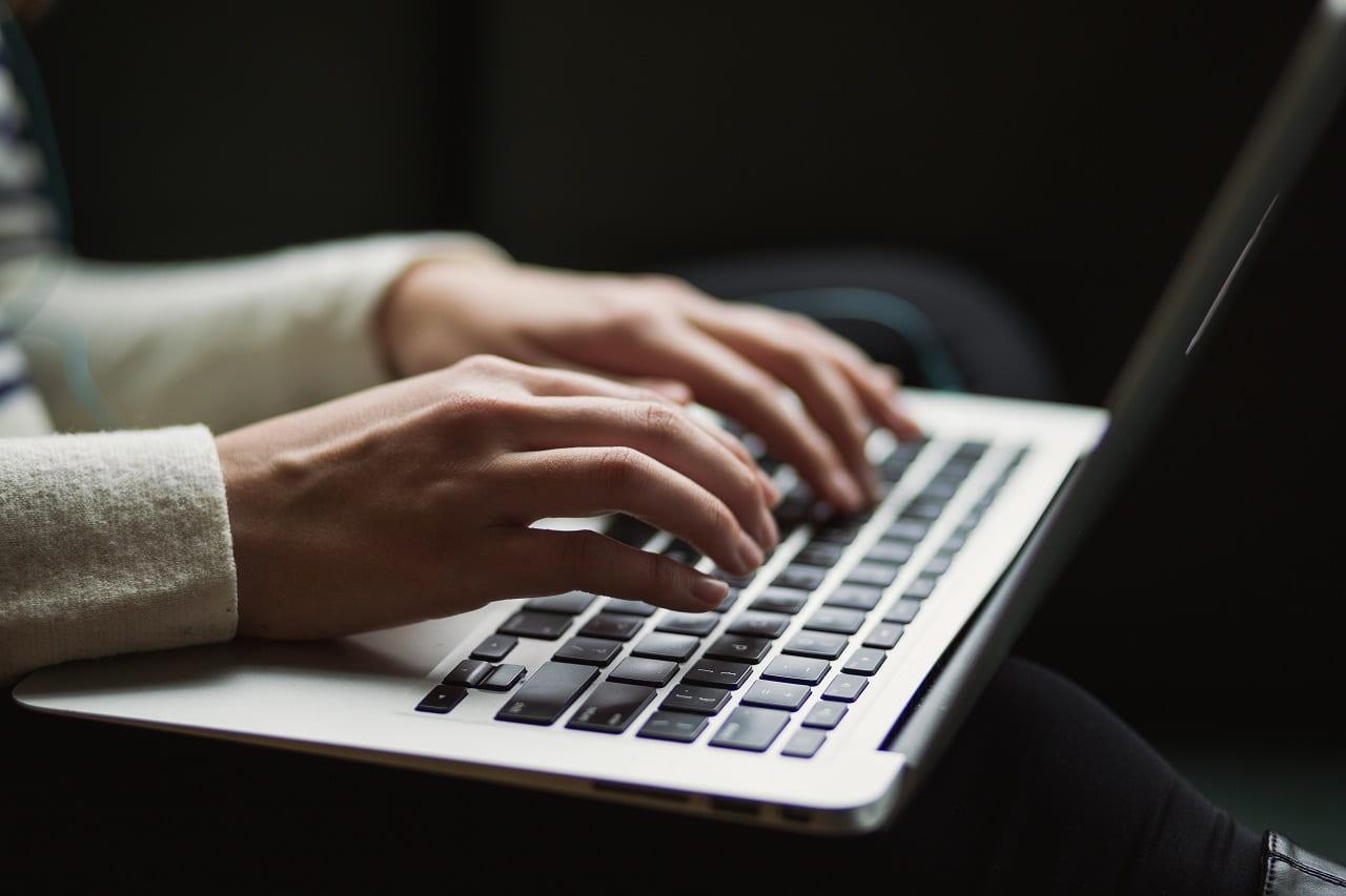 サラリーマンこそブログを副業で始めるべき決定的理由