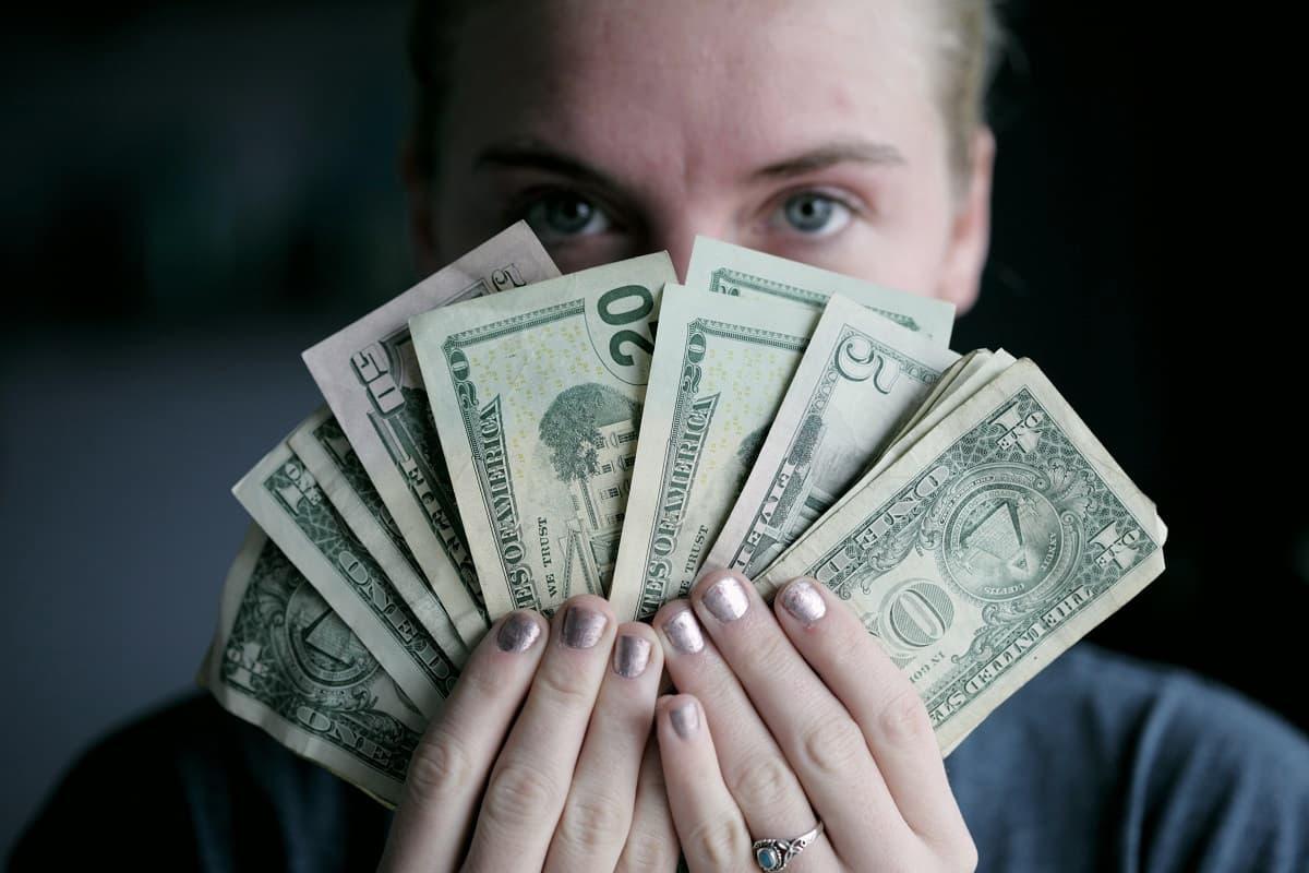 年収1000万なのに貯金なしという理由と改善策